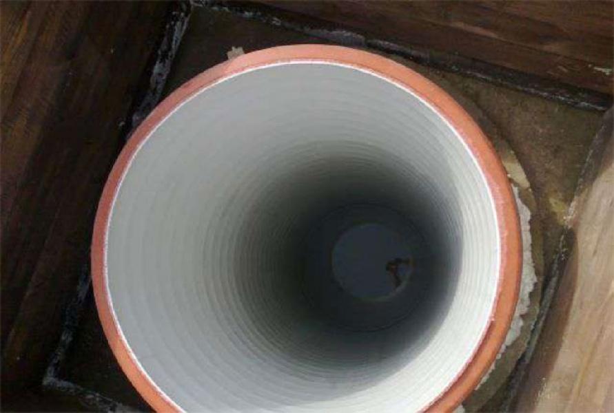 Углубление колодца трубой
